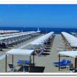Vista della spiaggia dello stabilimento balneare Costa Azzurra
